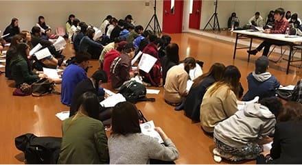 2.歌手を目指すために芸能専門学校東京ステップスアーツで音楽の基礎を知るレッスンを行っています