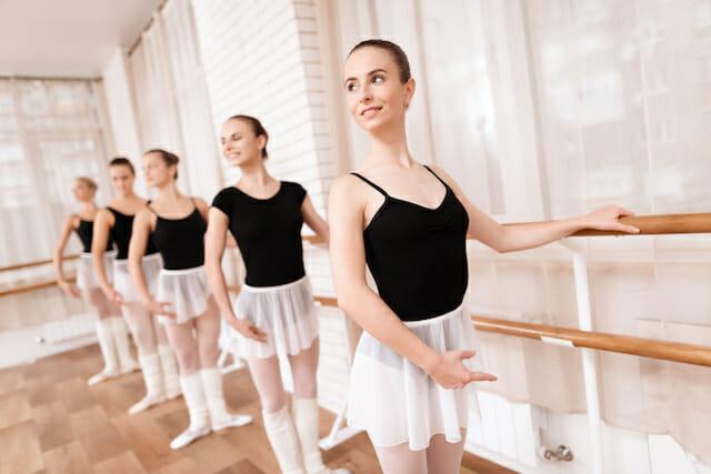 振付師になるにはダンス専門学校に通う写真