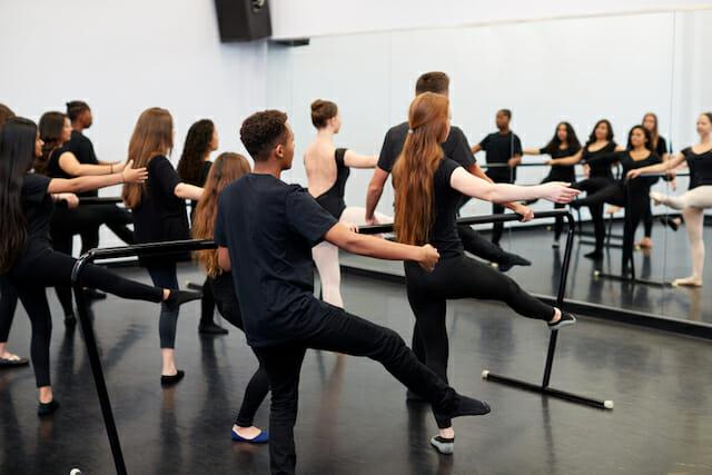 振付師になるためにダンス専門学校へ入学するメリット写真2